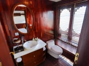 Grand Deluxe - Bathroom