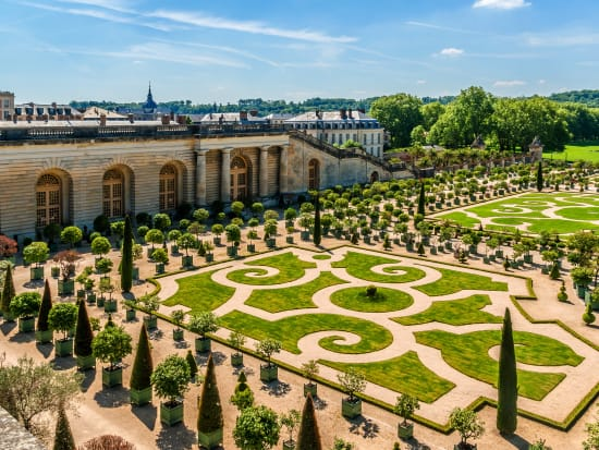 France_Versailles_Chateau_Palace_Garden_shutterstock_353035727