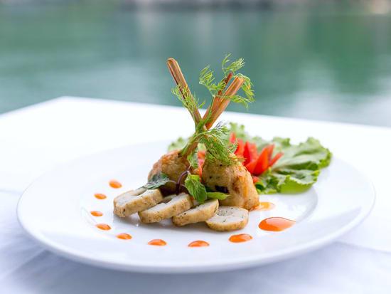 bhaya-classic-cruises-halong-bay-cuisine-2-800x600_0