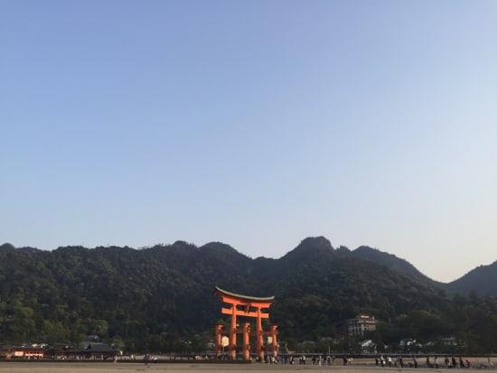 プランの魅力7番-宮島 大鳥居と山々