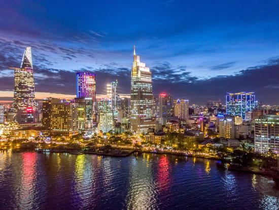 Vietnam_HoChiMinh_NightView_shutterstock_534600214