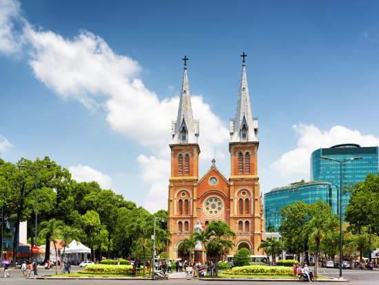 Vietnam_HoChiMinh_Cathedral_shutterstock_305712290