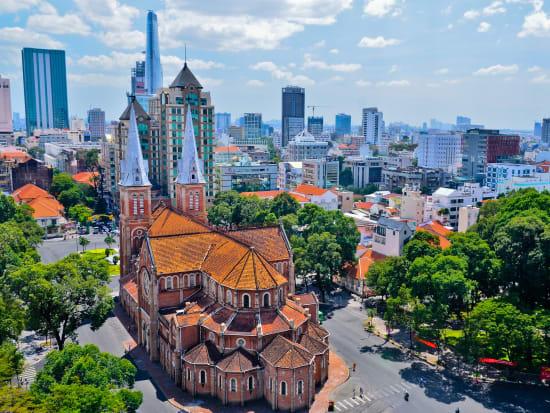 Vietnam_HoChiMinh_Cathedral_shutterstock_175128323