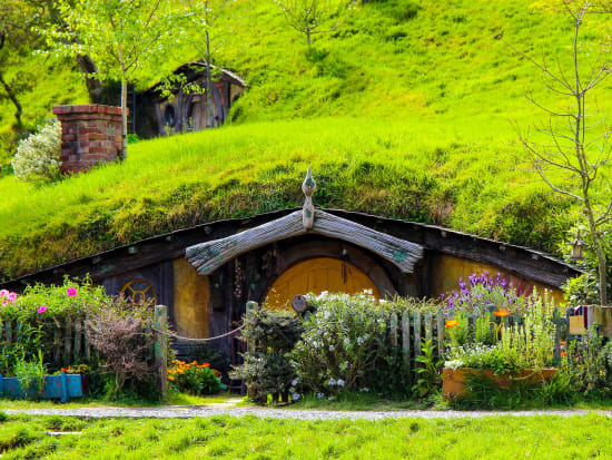 New_Zealand_Hobbiton_shutterstock_564570211