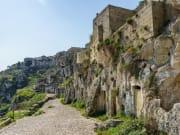 Italy_Matera_Sassi di Matera_shutterstock_64365113