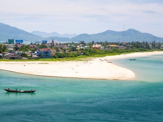 Vietnam_Danang_LangCoBeach_Shutterstock_167209961