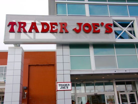TRADER_JOES_STORE_FRONT