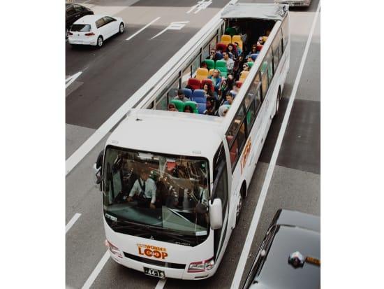 Osaka-Wonder-Loop-bus-7