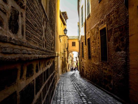 spain_toledo_street__xW0RL
