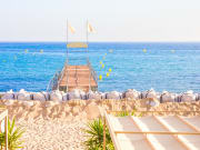 France_Cannes_Beach_shutterstock_192127271