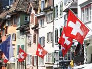Switzerland_Zurich_Old_Street_Flags_National_Day