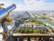 psdj-03-eifel-tower-view_2
