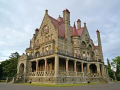 Canada_British-Columbia_Victoria_Craigdarroch-Castle_shutterstock_186437690
