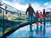 GI-Family-on-glass-fun