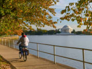 usa_washington_bike_jefferson-monument_shutterstock_314923487_rsz