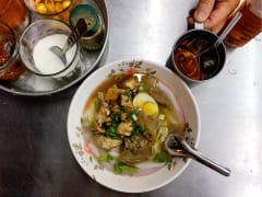 bangkok street food bowl of kuay jap pork soup