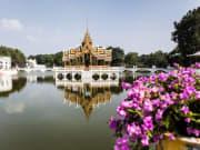 bangkok bike tour bang pa in royal palace stop