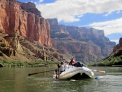 usa_colorado_river-rafting_shutterstock_661711603rsz_2