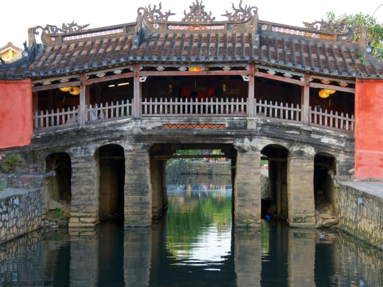 Vietnam_HoiAn_Bridge_shutterstock_588451985