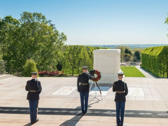 arlington-national-cemetery-tomb-of-the-unknowns