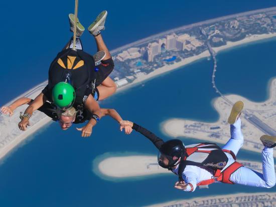Tandem skydiving at Skydive Dubai Palm dropzone19