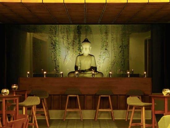 theato_buddha_statue