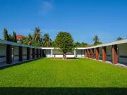 the_bale_phnom_penh_courtyard_suites_garden