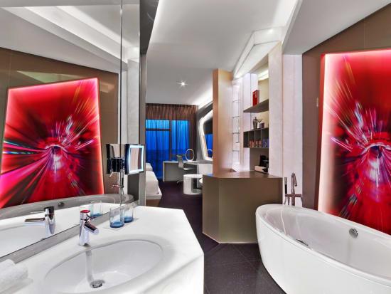 who3819gr-201601-Marvelous Room Twin - Bathroom