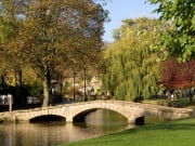UK_England_Bourton-on-the-Water