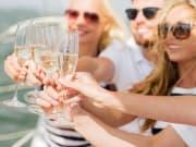 Hawaii_Kauai_Champagne_Toast_on_Boat