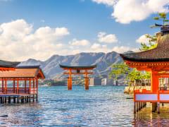 Miyajima_Itsukushima_Shrine_Floating_Torii_Gate