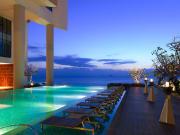 Banquet-Set-up-at-Pool