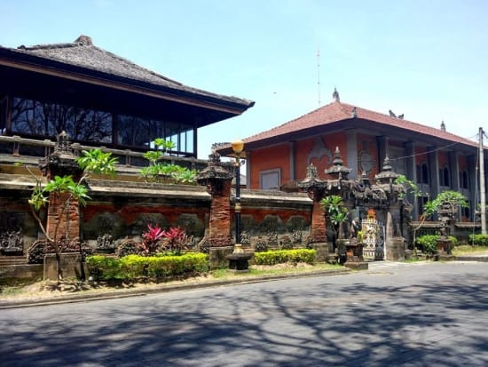 Exploring-the-old-city-of-Denpasar