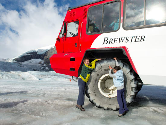 Columbia-Icefields-Glacier-Adventure-2011-Image-7_preview