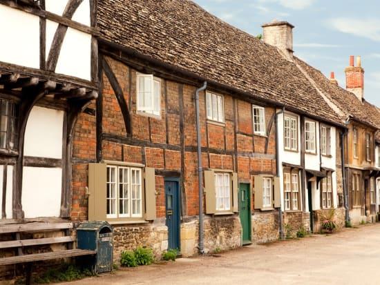 UK_England_Wiltshire_Lacock_shutterstock_53663458