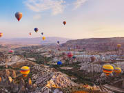 Turkey_Cappadocia_hit air baloon_shutterstock_94447651
