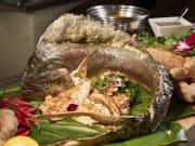 HNLRW_P482_Buffet_Fish