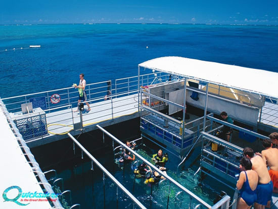 outer-barrier-reef-pontoon-platform-snorkel-area