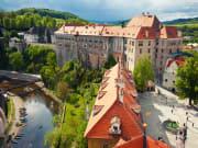Cesky_Krumlov_Castle_City_shutterstock_195155429