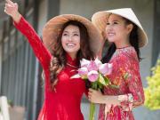 Vietnam_AoDai_Girls_shutterstock_136847915