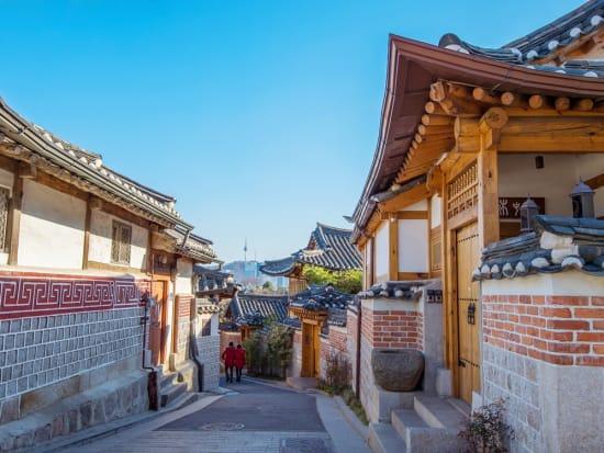 Korea_Seoul_Bukchon_Hanok_Village_shutterstock_264050210