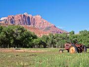 USA_Utah_Zion-National-Park_Grafton-Ghost-town_shutterstock_154925861