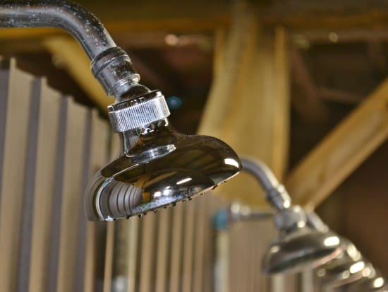 温水シャワー完備