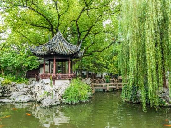 China_Shanghai_YuYuan__shutterstock_324632537