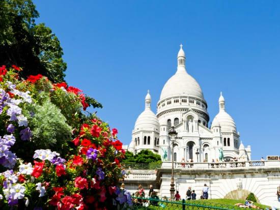 France_Paris_Sacre_Coeur_Basilica_Montmartre_shutterstock_110426417