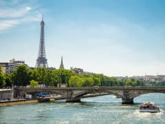 France_Paris_Seine_River_Cruise_shutterstock_327365120