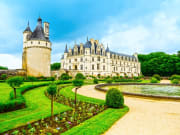 Chenonceau_Chateau_shutterstock_237610252