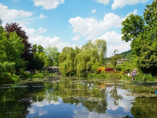 France_Giverny_Monet_Garden_shutterstock_228223900