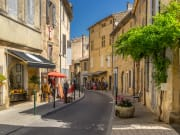 France_Lourmarin_shutterstock_441707242