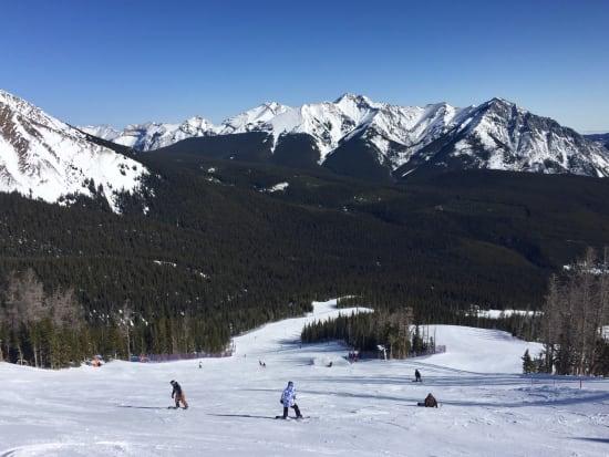 Canada_Nakiska_Ski_Resort_shutterstock_1046146804